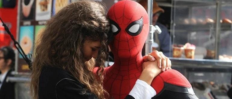 Человек паук: вдали от дома