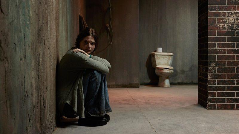 """Кадр из фильма """"Девушка в подвале"""""""